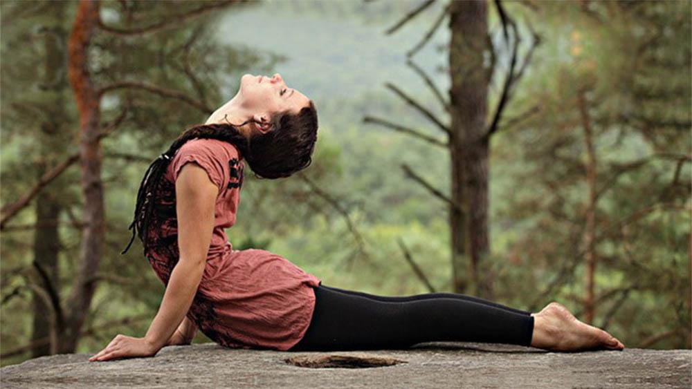 поза кобры в йоге фото полезные свойства одиночку