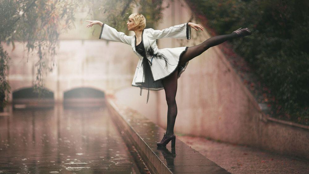 балерина на набережной
