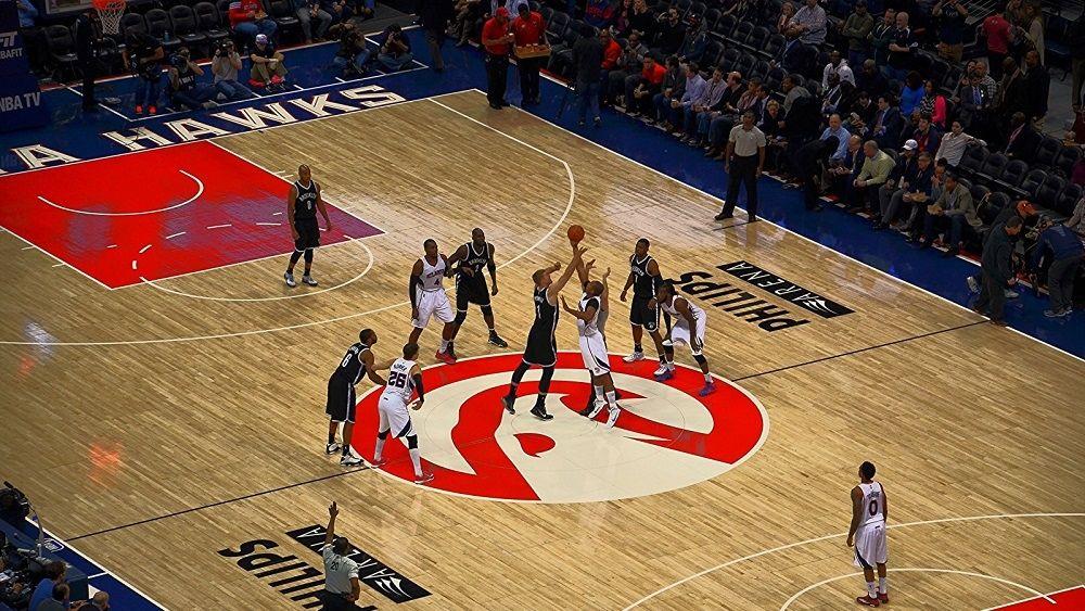 Какой размер у баскетбольной площадки и на какие зоны она делится