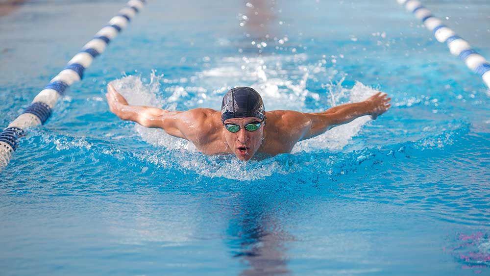 Как плавание влияет на мышцы?
