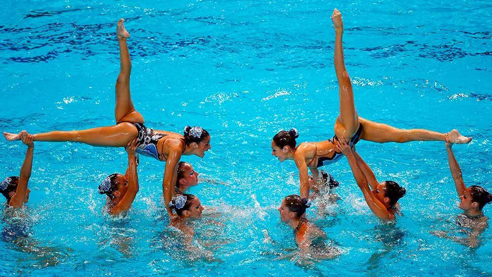 Тренировки по синхронному плаванию: общие упражнения и этапы подготовки