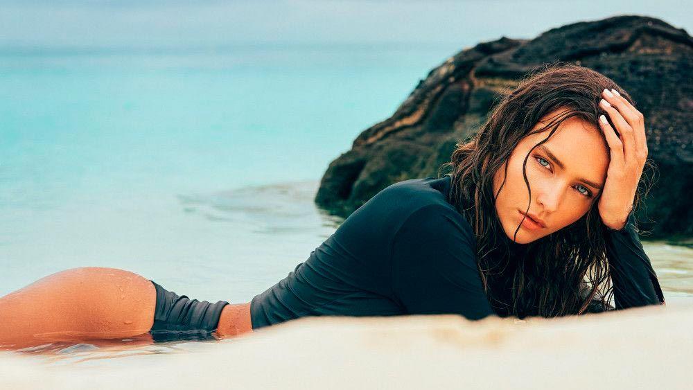 Модель Рейчел Кук: фитнес не помеха для фото